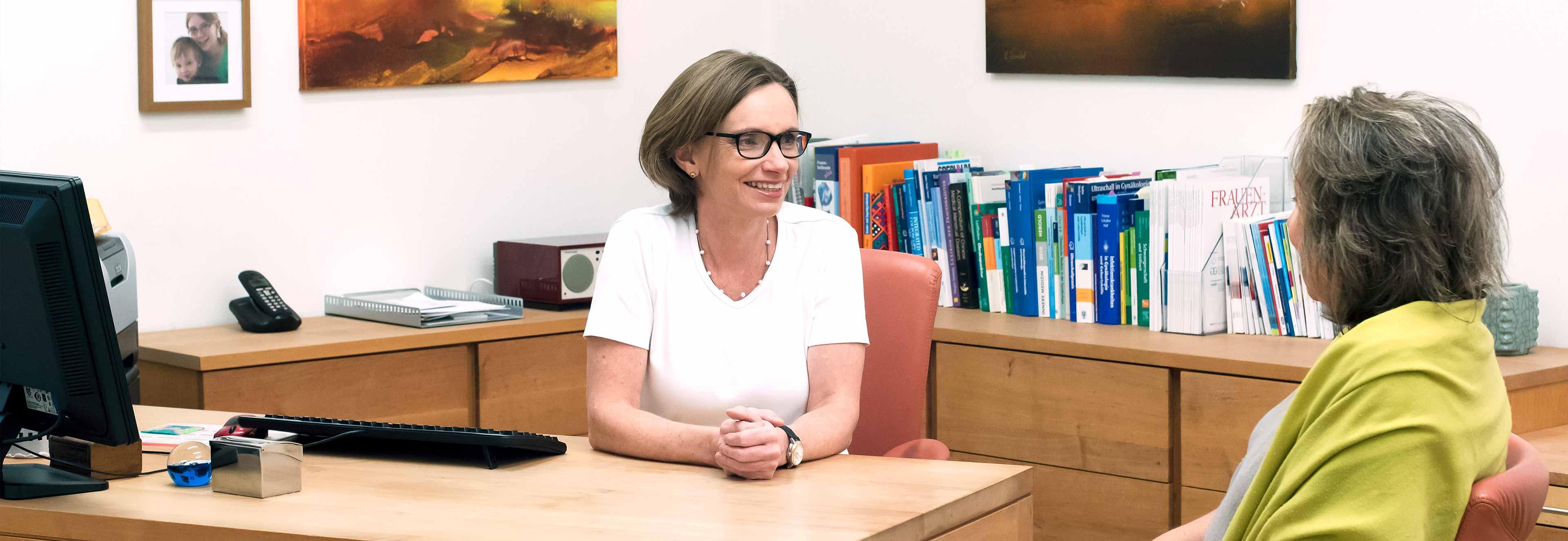 Dr. Maria Resch, MSc. - Gynäkologin, Whilering, Pasching, Frauenärztin, Traditionelle Chinesische Medizin, Akupunktur